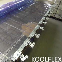 Rideau de lanieres transparentes en PVC souple coulissant